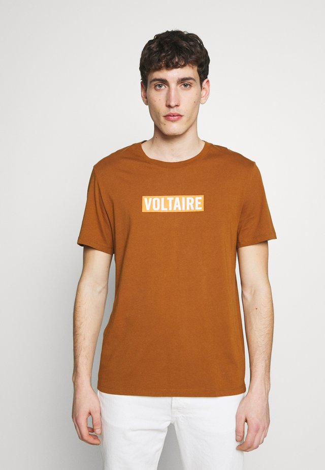 TED VOLTAIRE - T-shirt med print - cognac