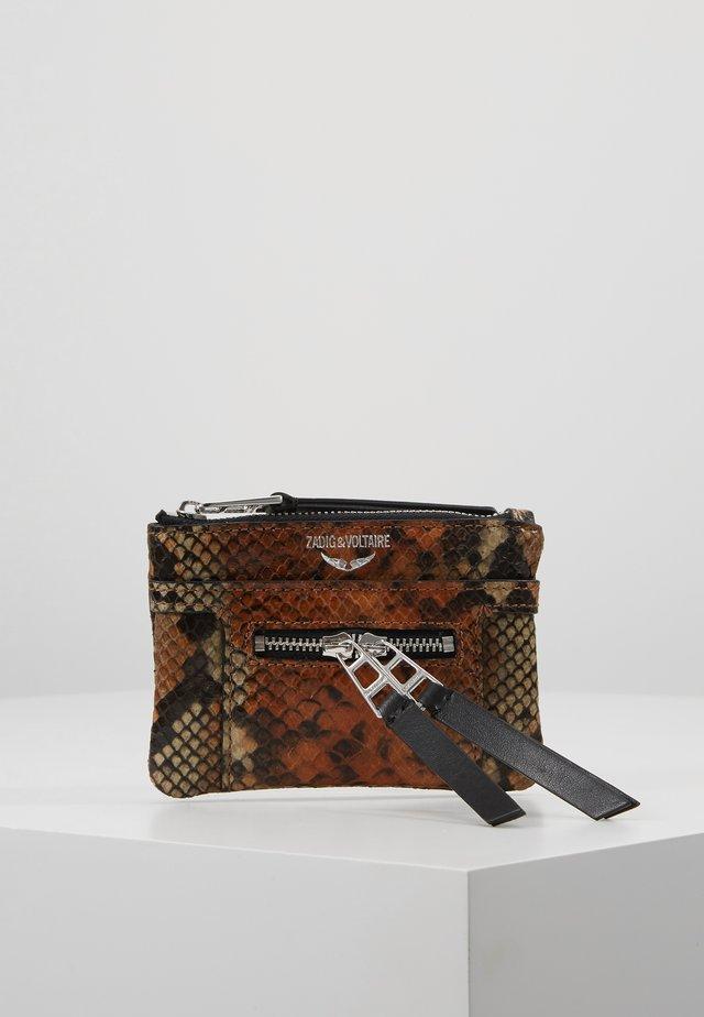 PANGLO ZIP PURS - Wallet - cognac