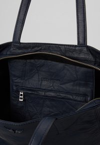 Zadig & Voltaire - DOTTIE - Handbag - ink - 4