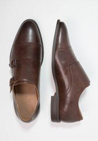Zalando Essentials - Elegantní nazouvací boty - brown - 1