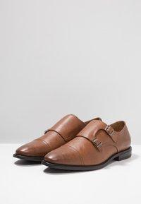 Zalando Essentials - Elegantní nazouvací boty - light brown - 2