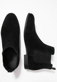 Zalando Essentials - Kotníkové boty - black - 1