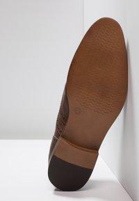 Zalando Essentials - Eleganta snörskor - light brown - 4