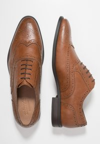 Zalando Essentials - Elegantní šněrovací boty - brown - 1