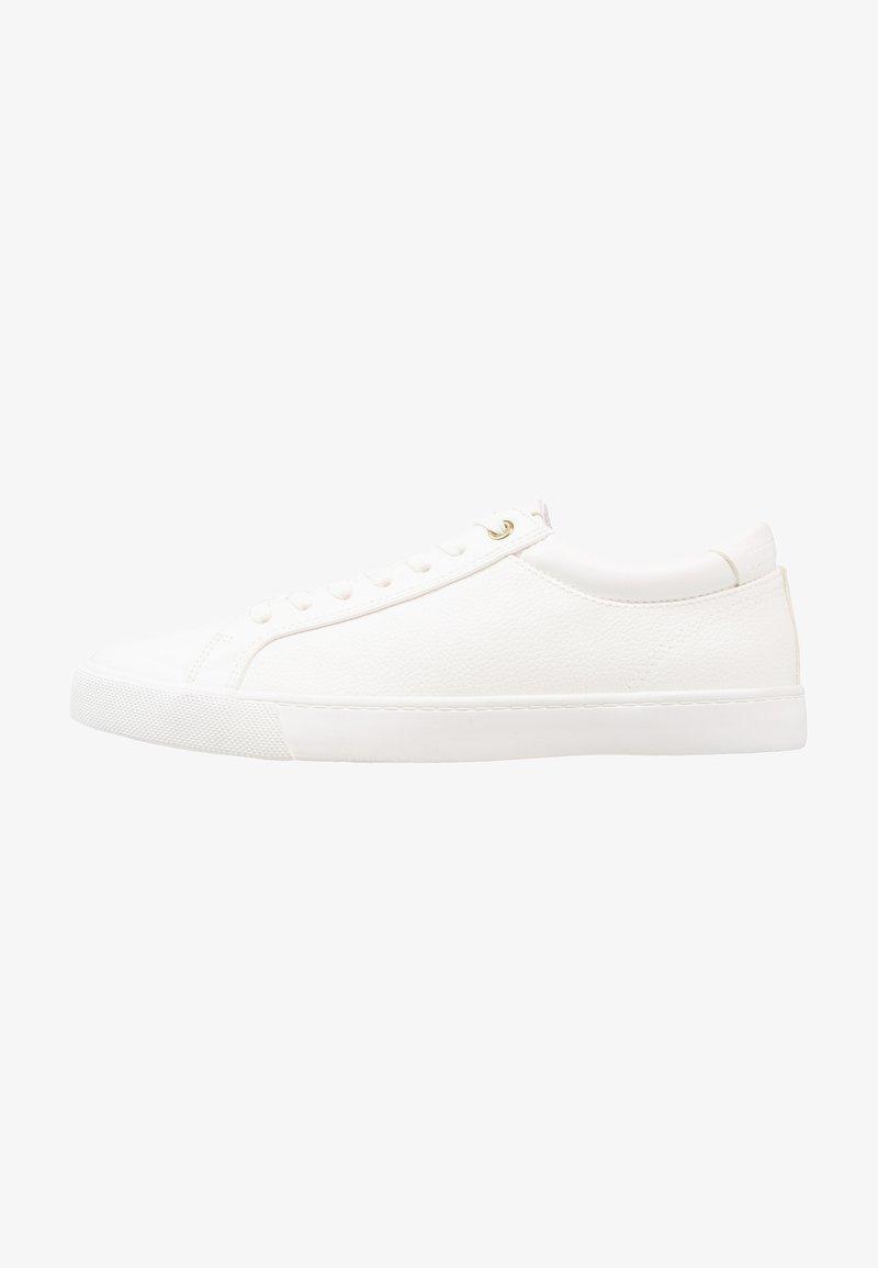 Zalando Essentials - Sneakers laag - white