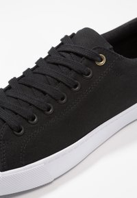 Zalando Essentials - Trainers - black - 5