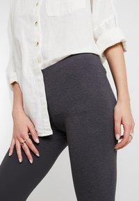 Zalando Essentials - 2 PACK - Leggings - Trousers - black/dark grey melange - 4
