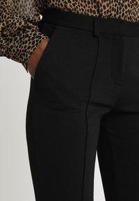 Zalando Essentials - Pantalon classique - black - 4