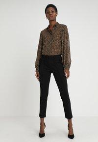 Zalando Essentials - Pantalon classique - black - 2