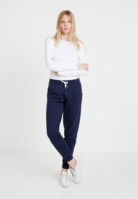 Zalando Essentials - Pantalon de survêtement - navy - 1