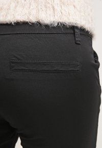 Zalando Essentials - Chinos - black - 5