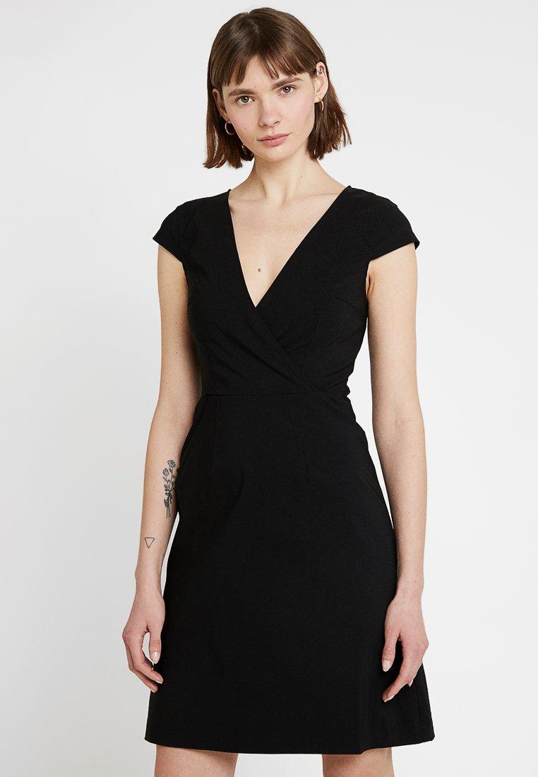 Zalando Essentials - Jersey dress - fitted waist