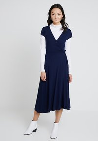 Zalando Essentials - Jersey dress - maritime blue - 0