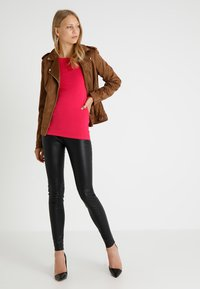 Zalando Essentials - Maglietta a manica lunga - pink - 1
