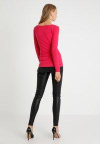 Zalando Essentials - Maglietta a manica lunga - pink - 2