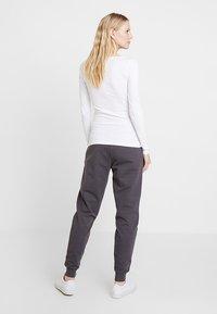 Zalando Essentials - T-shirt à manches longues - white - 2