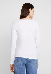 Zalando Essentials - Long sleeved top - white - 2