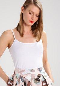 Zalando Essentials - 2 PACK - Top - white/white - 0