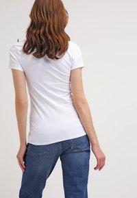 Zalando Essentials - 2 PACK - Camiseta básica - white/white - 3