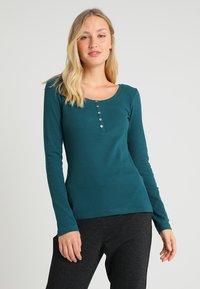 Zalando Essentials - Long sleeved top - evergreen - 0