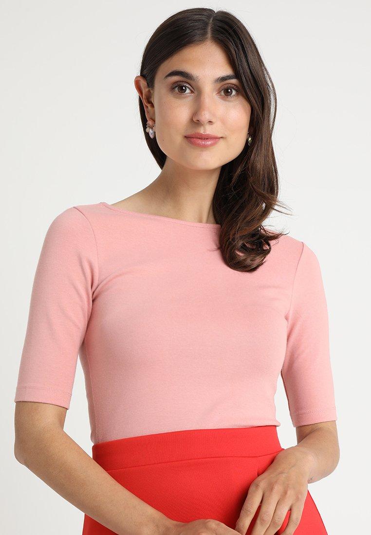 Zalando Essentials - T-shirts - blush