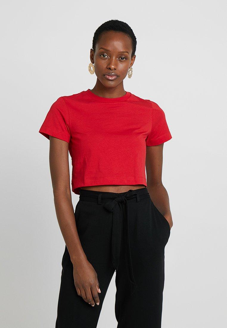 Zalando Essentials - T-shirt basic - barbados cherry