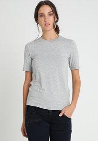 Zalando Essentials - T-shirt basic - mottled grey - 0