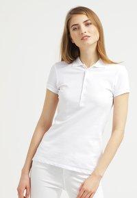 Zalando Essentials - Poloskjorter - white - 0