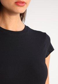 Zalando Essentials - T-shirt basique - black - 3