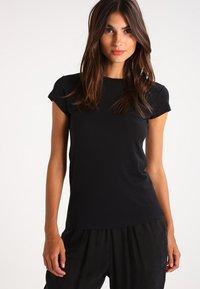 Zalando Essentials - T-shirt basique - black - 0