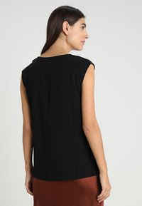 Zalando Essentials - Blusa - black - 2