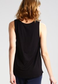 Zalando Essentials - Bluse - black - 2