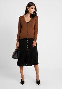 Zalando Essentials - Cardigan - brown - 1