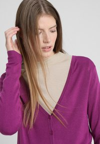Zalando Essentials - Cardigan - hollyhock - 3
