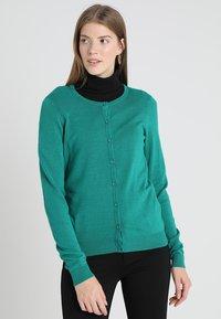 Zalando Essentials - Cardigan - cadmium green - 0