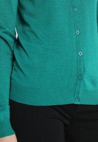 Zalando Essentials - Cardigan - cadmium green - 5