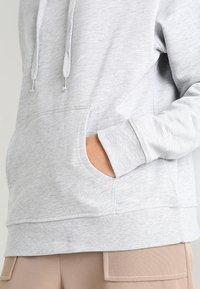 Zalando Essentials - Hoodie - grey marl - 4