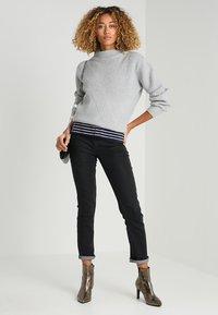 Zalando Essentials - Jeans a sigaretta - 802 - black - 1