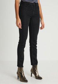Zalando Essentials - Jeans a sigaretta - 802 - black - 0