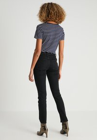Zalando Essentials - Jeans a sigaretta - 802 - black - 2