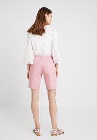 Zalando Essentials - Shorts - blush - 2