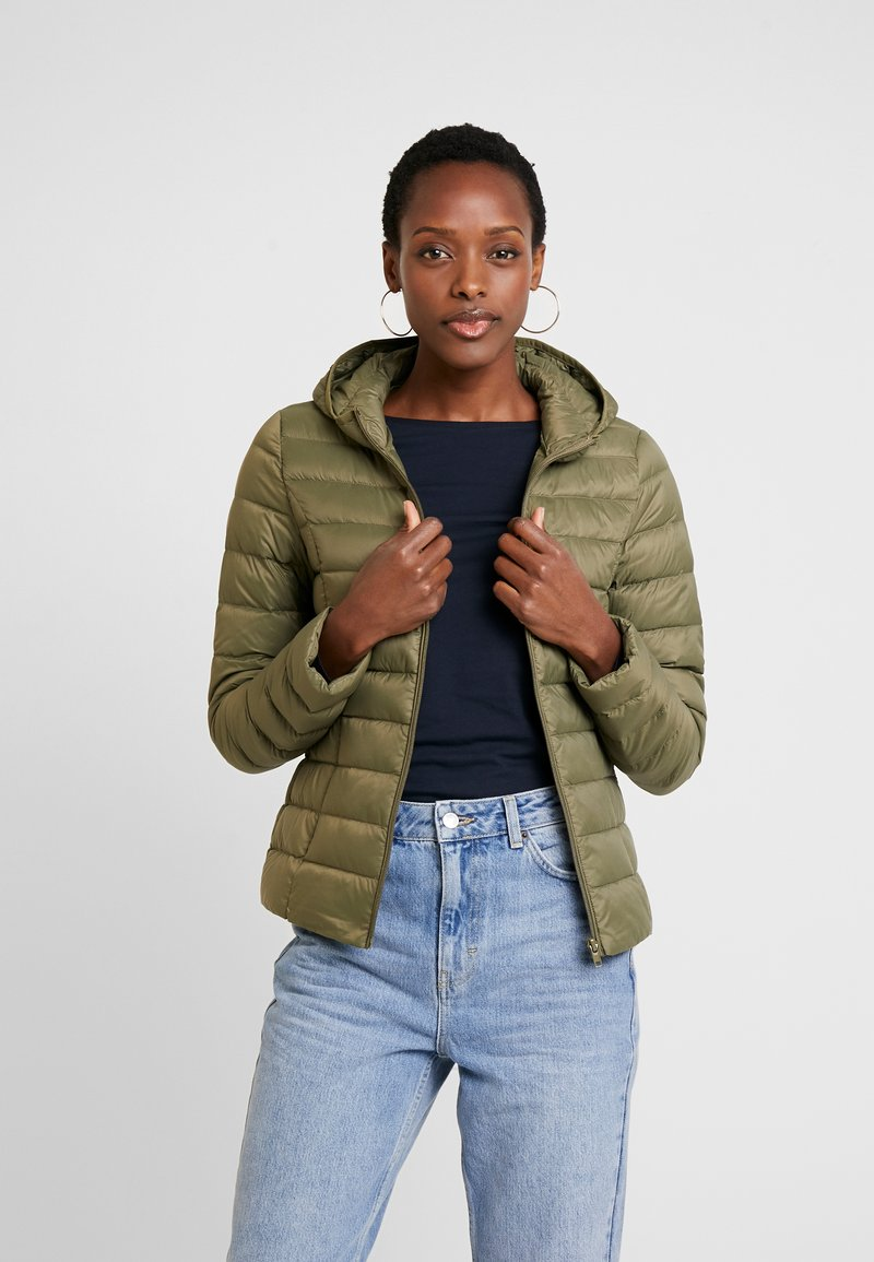 Zalando Essentials - Down jacket - burnt olive