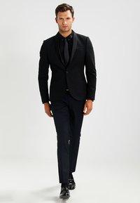 Zalando Essentials - Skjorte - black - 1