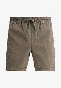 Zalando Essentials - Shorts - oliv - 4