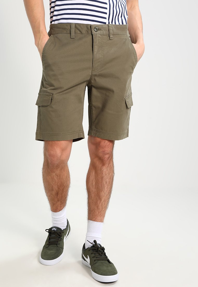 Zalando Essentials - Shorts - olive
