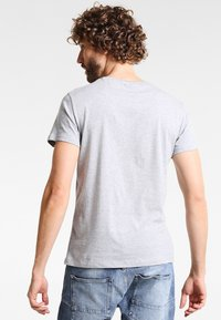 Zalando Essentials - 5 PACK - T-paita - mottled light grey - 2