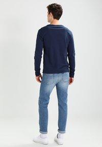 Zalando Essentials - Topper langermet - dark blue - 2