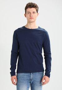 Zalando Essentials - Topper langermet - dark blue - 0