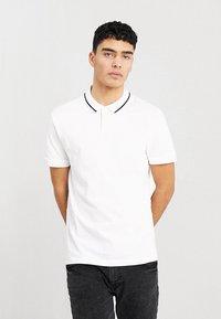 Zalando Essentials - 2 PACK - Koszulka polo - white - 1
