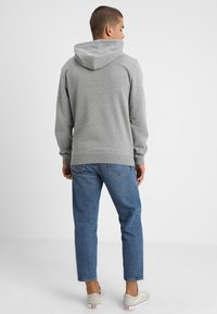 Zalando Essentials - Jersey con capucha - mottled grey - 2